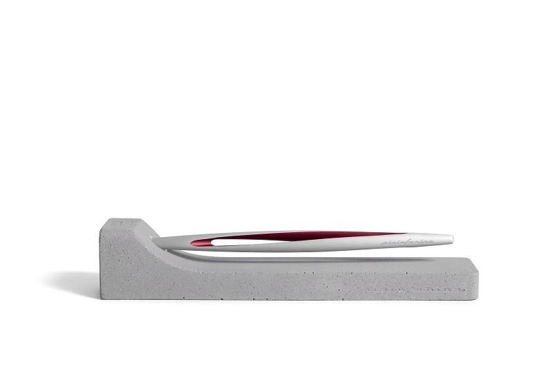 Pininfarina Segno – Pininfarina Aero con interno di colore rosso. – Pininfarina Aero Rosso