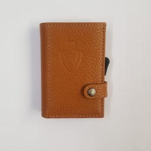 Whold – Portafoglio Whold modello wallet in pelle. Protezione RFID. Colore cuoio, finitura martellata – W109C/C