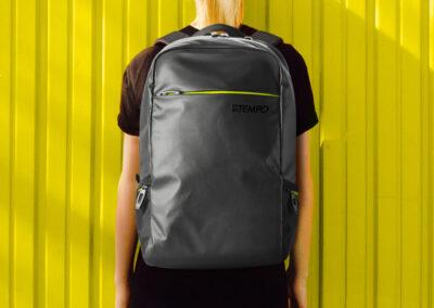 blackout_zaino_back_yellow
